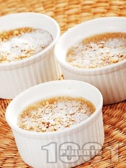 Грис халва с вода, олио, орехи и пудра захар - снимка на рецептата